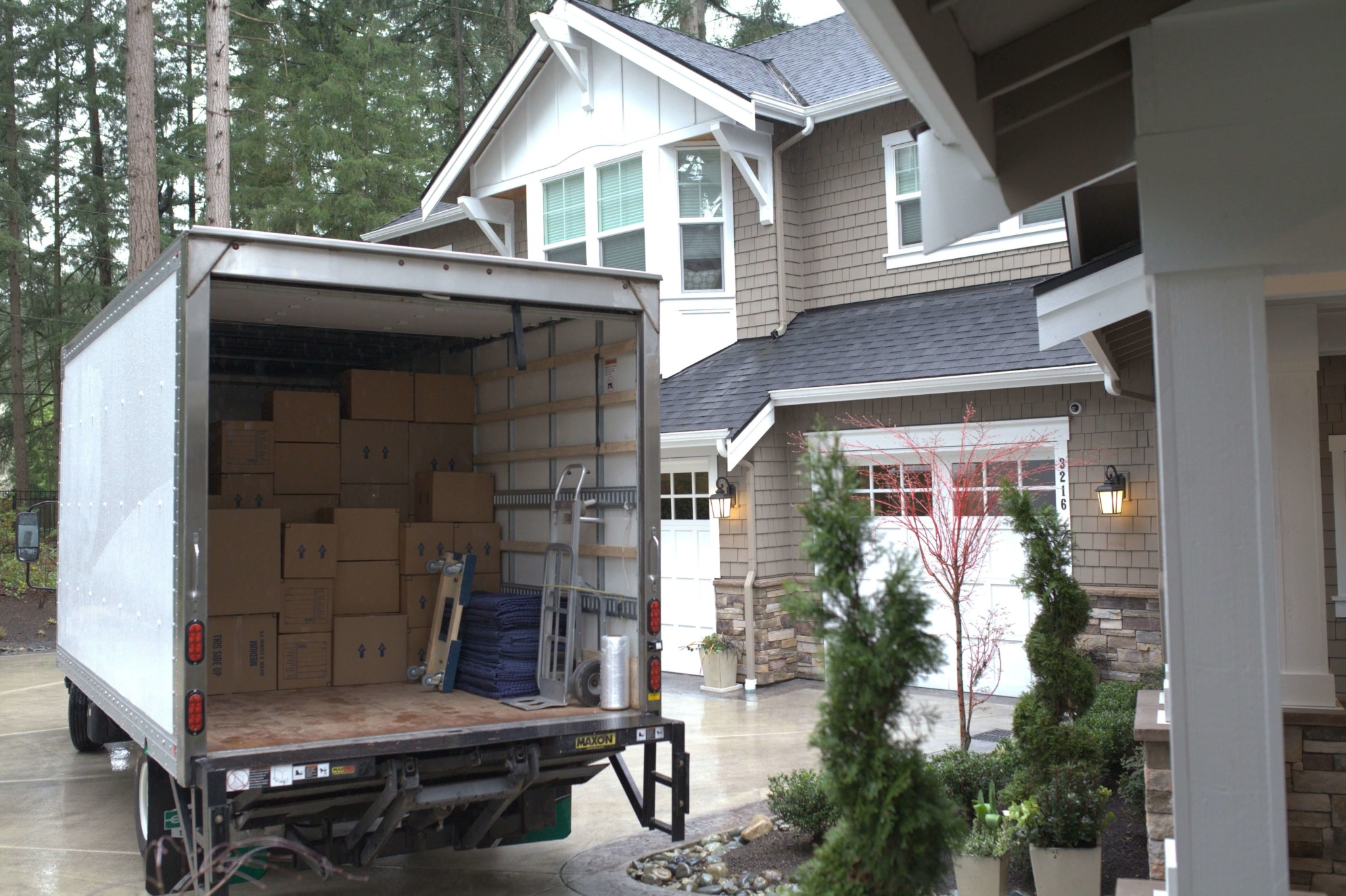 Moving company in Lynnwood